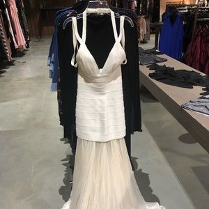 BCBG Gown off white new without tags